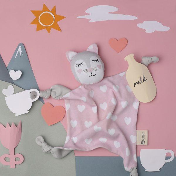 6-flatlay-cat-sq_s